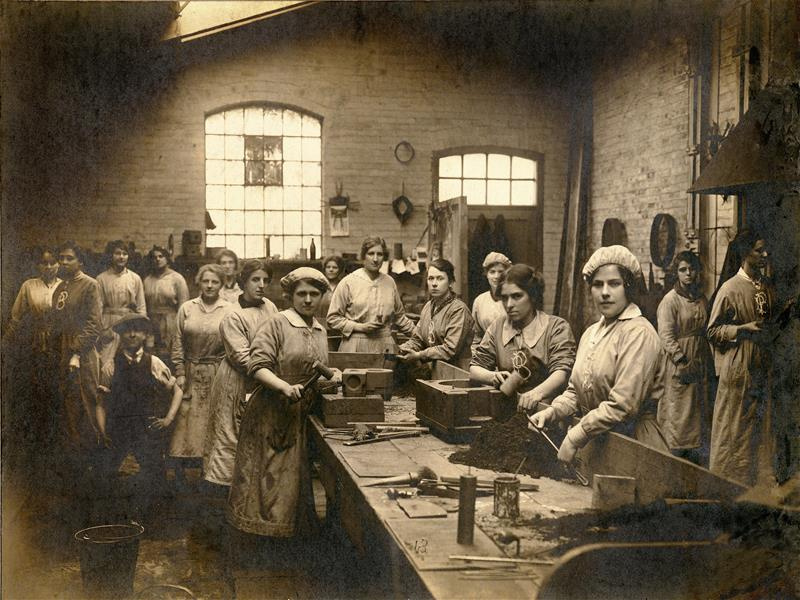 Press photograph of engineering workshop during WW1